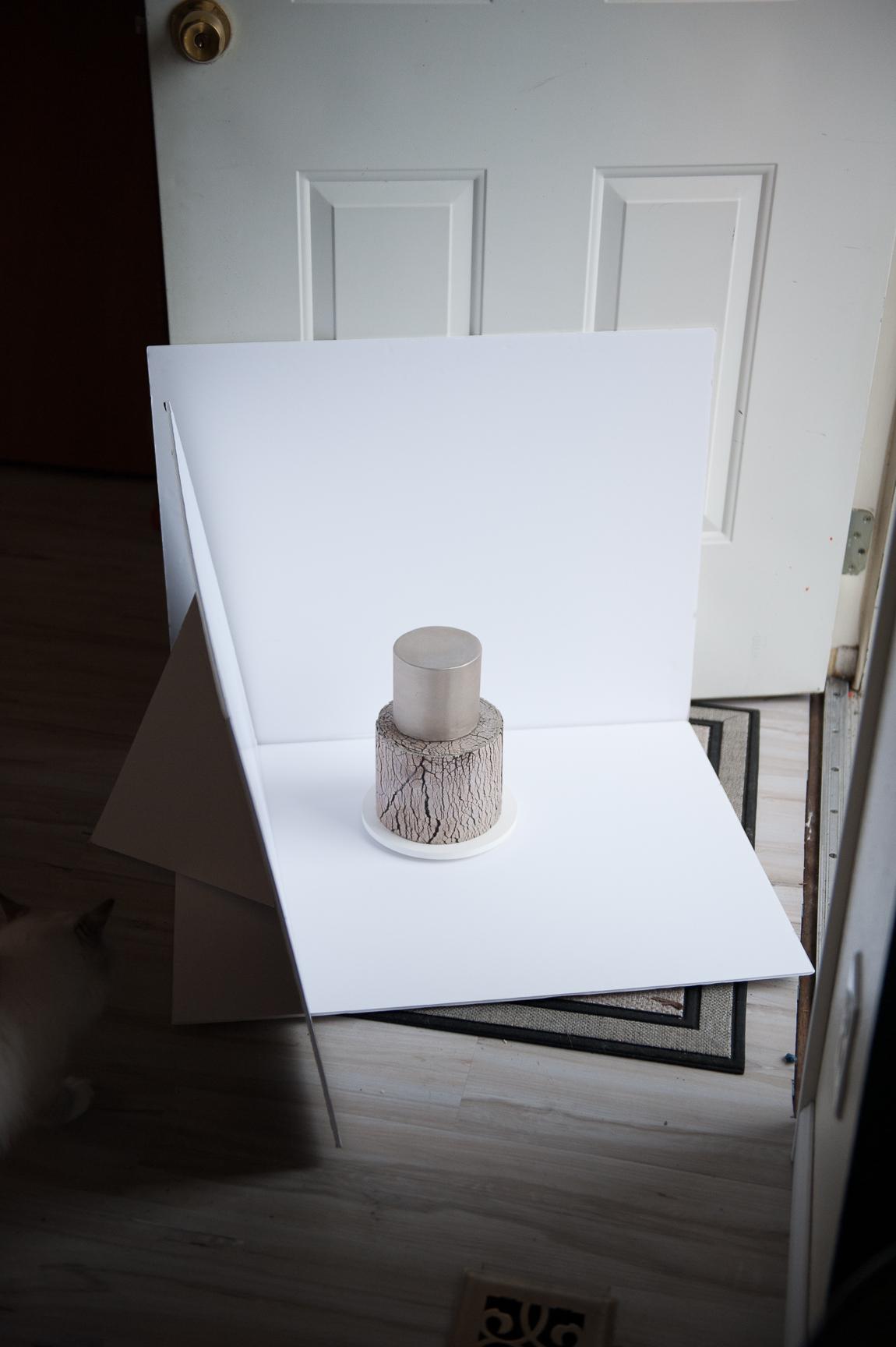 Easy photography backdrop using foam core